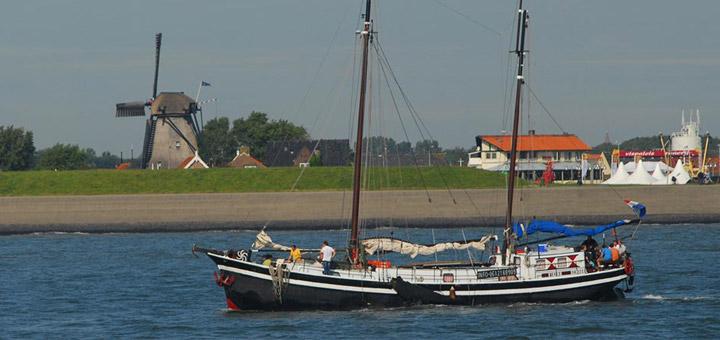 texel-vakantie-verhuur-schip-haven-oudeschild